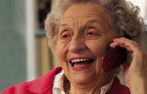 Migliori cellulari per anziani: guida agli acquisti scontati
