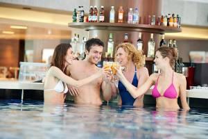 Poolbar 300x200 - Monte Tamaro Park Splash and Spa: adrenalina e relax a #montetamaro con #natura #avventura e #sport