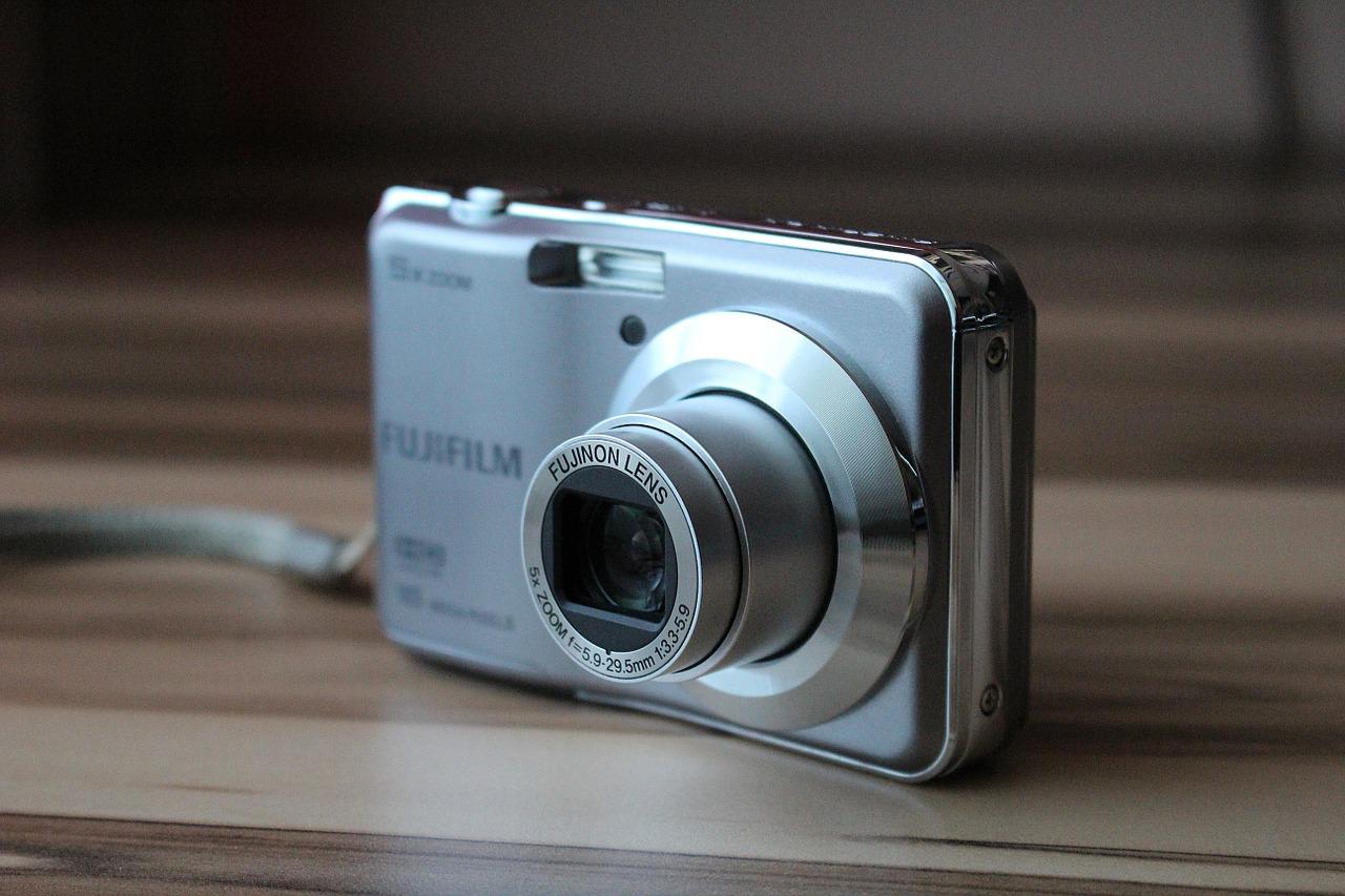 La miglior fotocamera compatta: classifica, consigli e guida