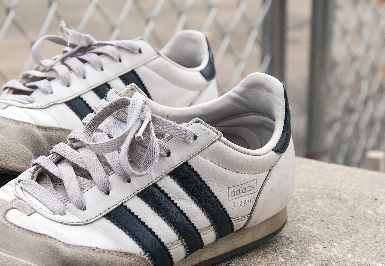 scarpe adidas 1459957216 - Migliori scarpe Adidas scontate: guida all'acquisto