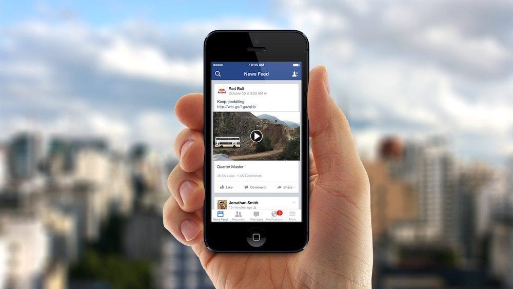Facebook, arrivano i sottotitoli nelle dirette e le chat private
