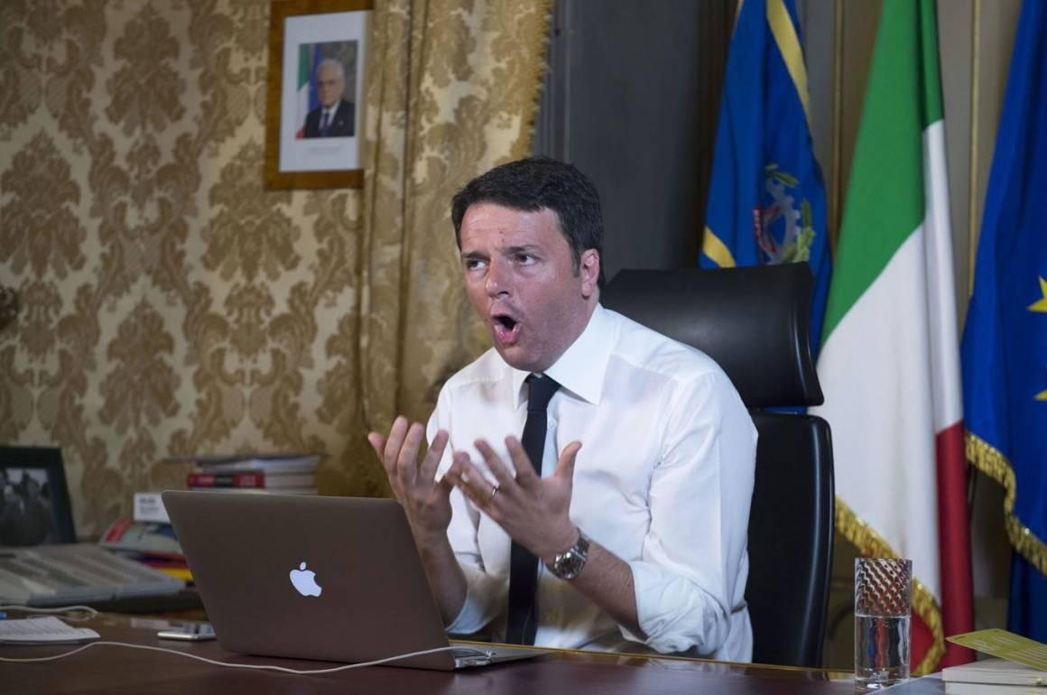 Matteo Renzi denunciato Codacons per pubblicita occulta ad Apple 1160x770 - #matteorisponde Matteo Renzi denunciato dal Codacons per pubblicità occulta ad Apple