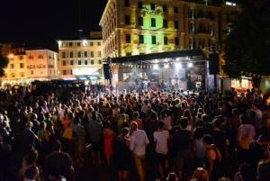 ∏Andrea Branca Area Turismo ed Eventi 21 300x201 - Eventi e concerti estivi Lugano 2016: LONGLAKE FESTIVAL LUGANO