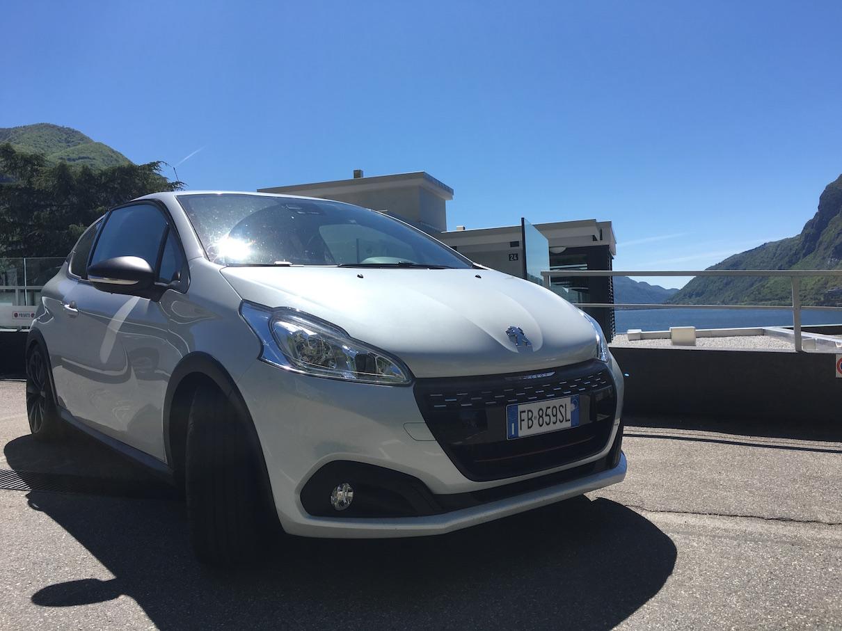 Peugeot 208 GTI: prova su strada da Campione d'Italia a Bellinzona
