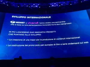 PRESENTAZIONE DEI PALINSESTI MEDIASET NIGHT18 300x225 - Palinsesti Mediaset: Piersilvio Berlusconi rilancia il futuro del gruppo