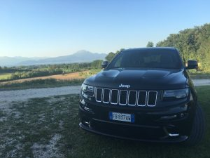 test drive grand cherokee srt09 300x225 - Jeep Grand Cherokee SRT: prova su strada a Pozzolengo