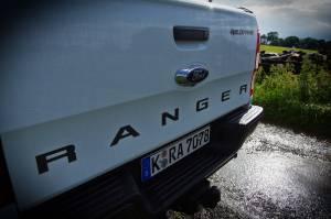test ford ranger assodigitale 8 300x199 - Ford Fiesta ST200 e Ranger: le due facce della sportività nel testdrive a Goodwood