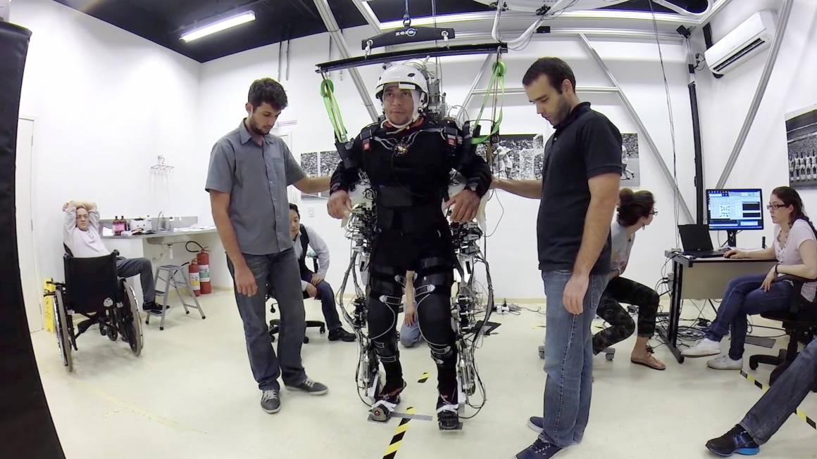 realtà virtuale 1160x653 - La realtà virtuale riabiliterà i paraplegici