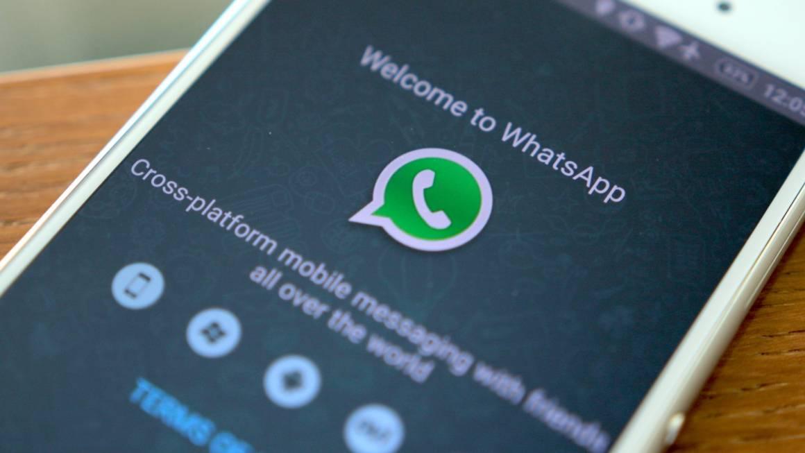 whatsapp e skype 1160x653 - WhatsApp, con il prossimo aggiornamento arriva la personalizzazione e la traduzione del testo