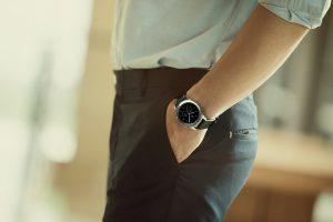 Gear S3 Lifestyle 01 300x200 - Samsung lancia Gear 3 lo smartwatch sempre acceso e che dura 3 giorni