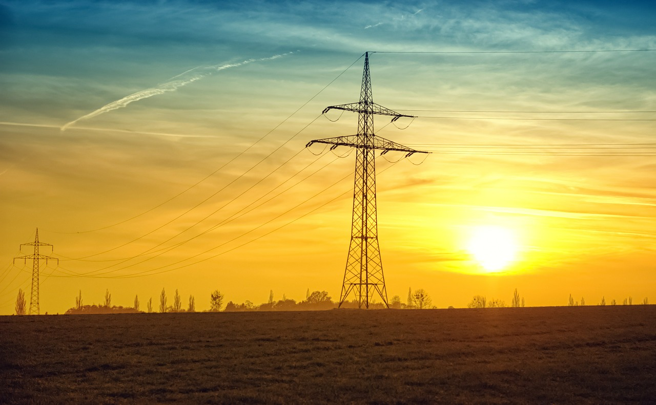 corrente elettrica 1474896793 - Ricaricare la bolletta della luce per avere solo consumi effettivi: ecco come fare.