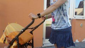 rsz davanti asilo 300x169 - FitBit Blaze: lo smartwatch perfetto per le mamme e per perdere peso