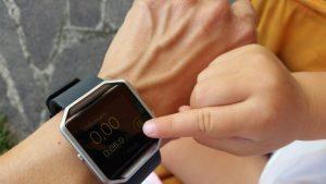 rsz timer camminata manina 300x169 - FitBit Blaze: lo smartwatch perfetto per le mamme e per perdere peso