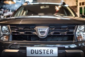 Dacia Duster Black Schadow 10 di 18 300x200 - Nuova Dacia Duster Black Shadow dallo stile Urban Chic #Duster #BlackShadow