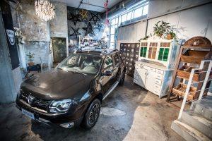Dacia Duster Black Schadow 6 di 18 300x200 - Nuova Dacia Duster Black Shadow dallo stile Urban Chic #Duster #BlackShadow