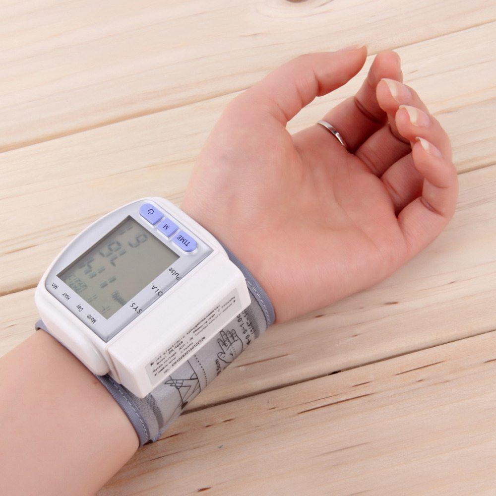 Misurare la pressione facilmente con lo Sfigmomanometro Economico: la guida all'acquisto