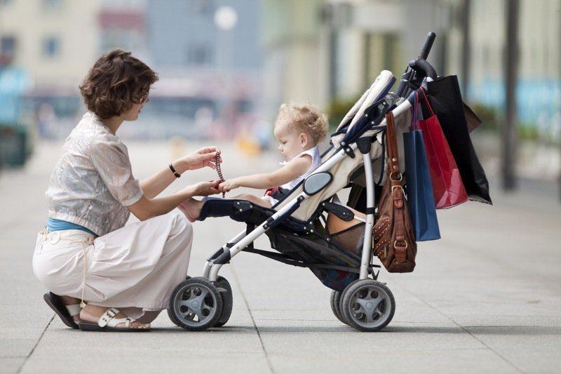 Passeggino leggero la guida con i consigli e la classifica - Mamme libere e moderne con il passeggino leggero: la guida per gli acquisti