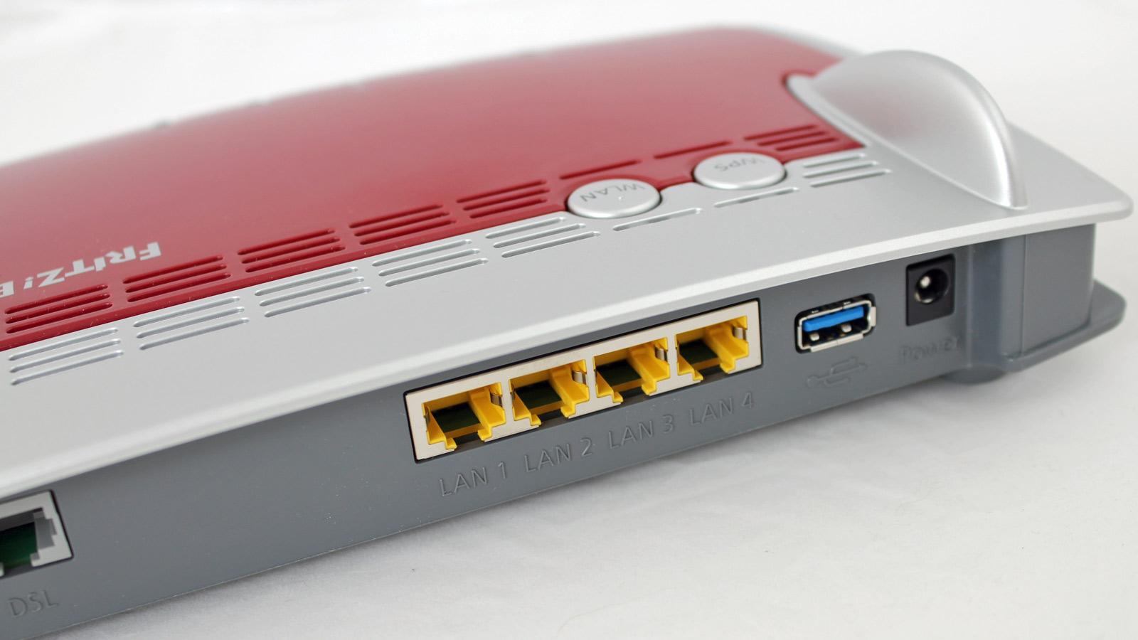 AVM FritzBox 3490 review ports - Condividere i nostri file all'interno del WiFi di casa con un dispositivo USB