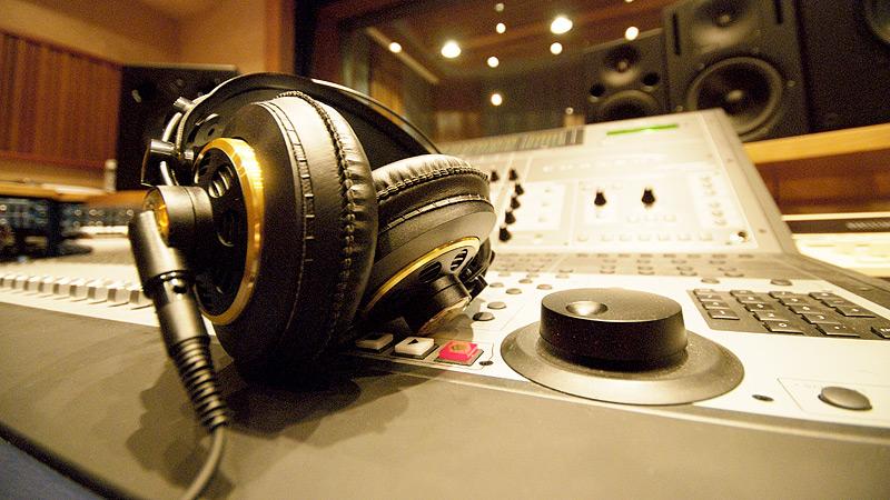 Migliori cuffie studio per ascoltare musica in alta definizione - Ascolta la tua musica preferita con le migliori cuffie studio: guida completa