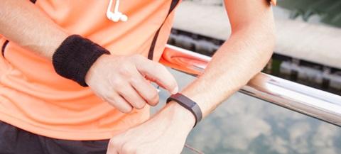 Prenditi cura del tuo fisico con i migliori bracciali fitness: guida completa