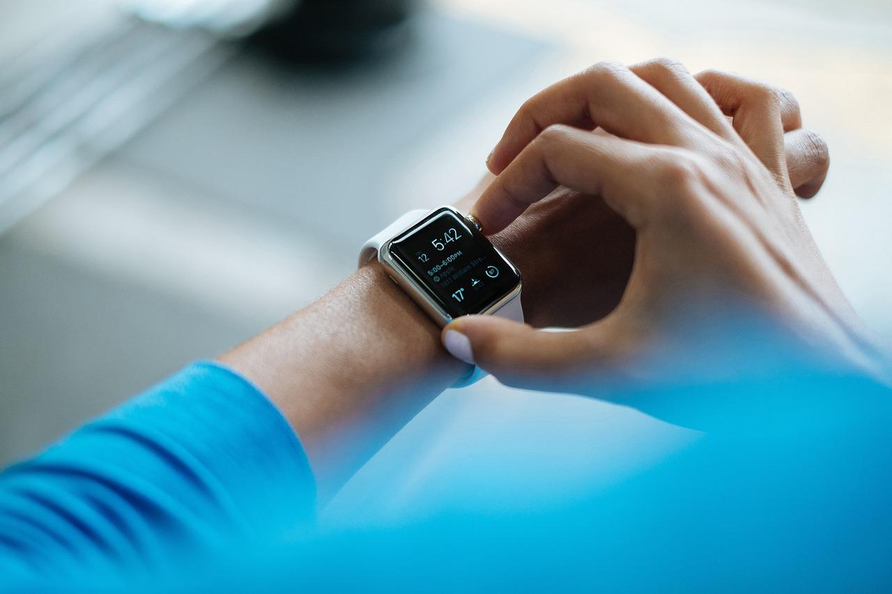 smartwatch 828786 1280 - Smartwatch per lo Sport da indossare al polso: consigli per una scelta ragionata