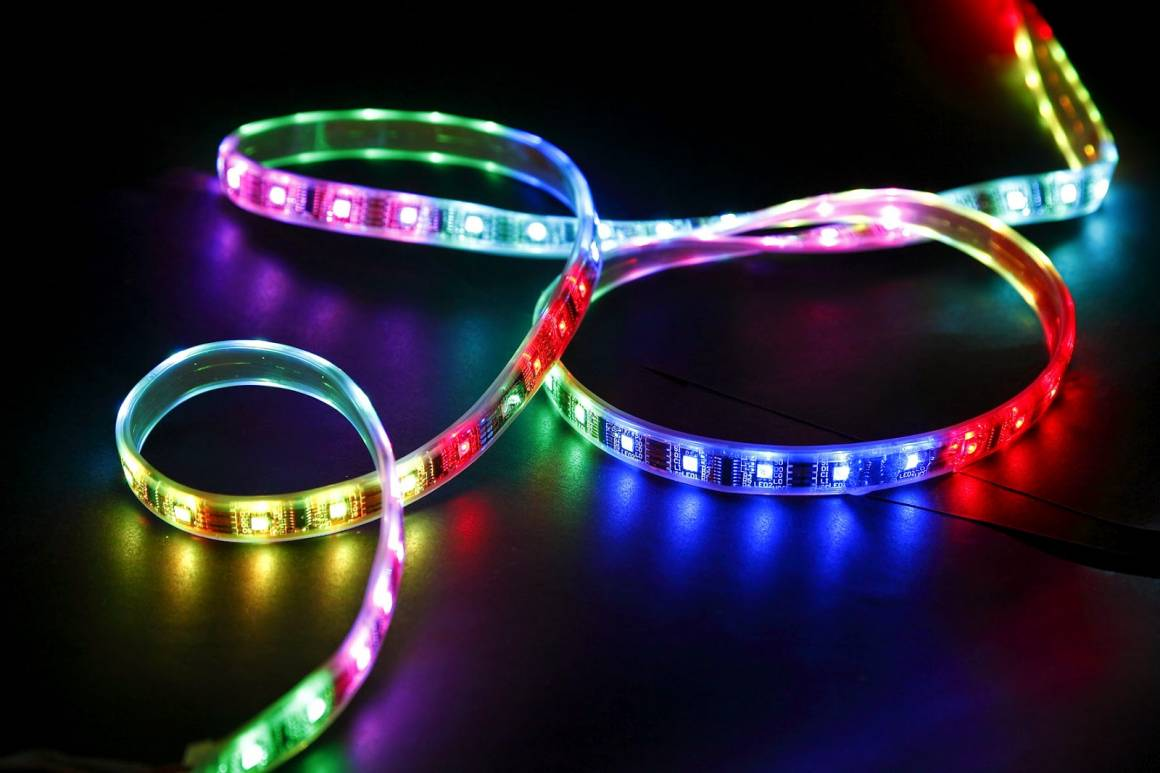 striscia LED per Illuminare e colorare la stanza 1160x773 - Aukey LT-SS1: la striscia LED per Illuminare e colorare la stanza