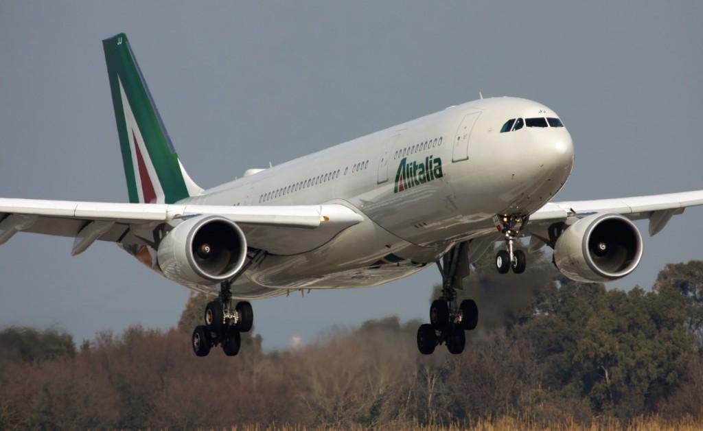 Alitalia A3301 - Alitalia, arrivano 180 milioni ma 1500 lavoratori sono a rischio