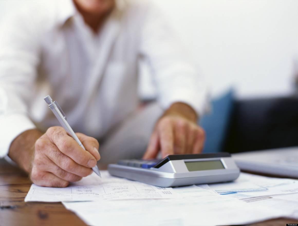 Bolletta 1 0 1160x882 - Stangata bollette 2017 sarà più caro: ecco la raffica di aumenti per tutte le famiglie
