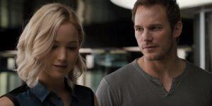Chris Pratt e Jennifer Lawrence in una nuova clip di Passengers