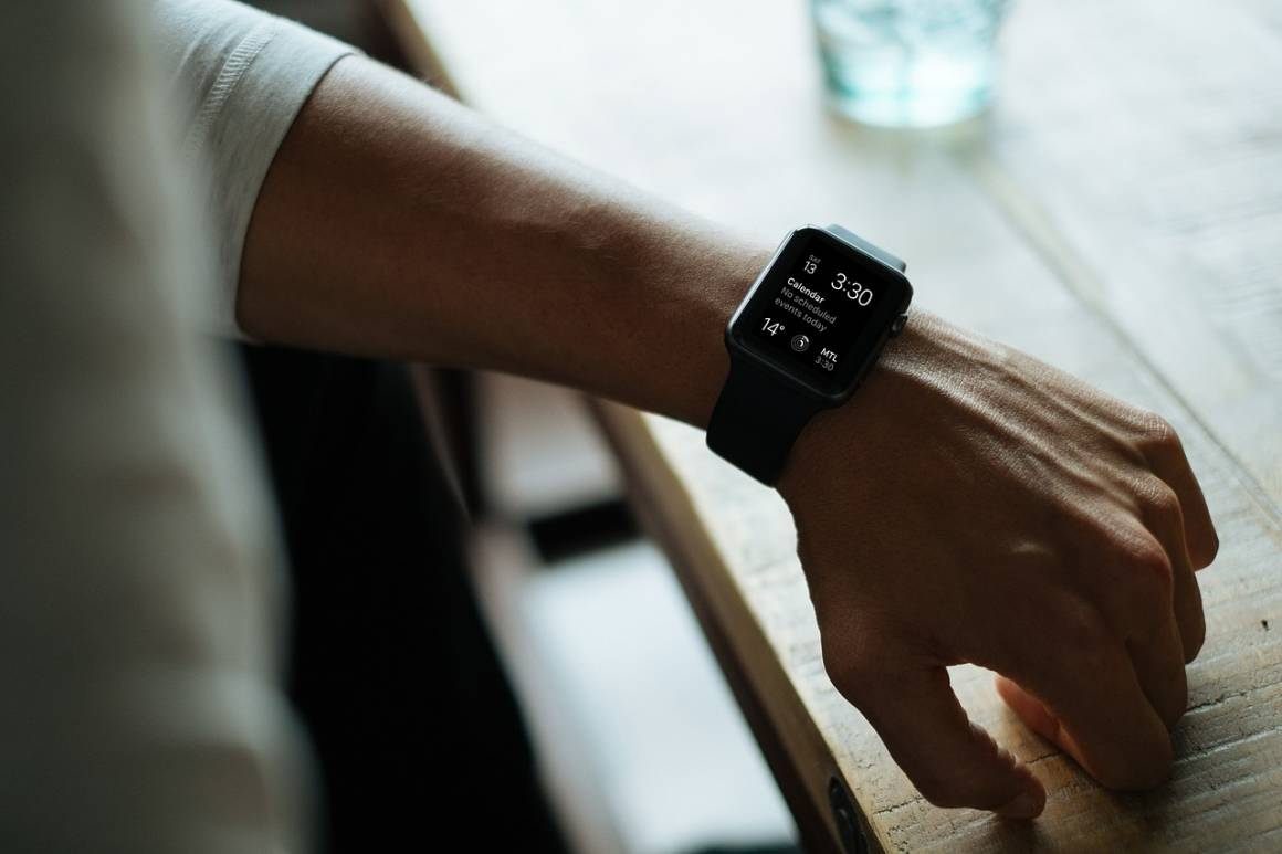 apple watch 828827 1280 1160x773 - Apple Watch durerà di più, le batterie e altri sensori saranno nel cinturino