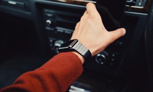 Peeble: l'azienda madre Fitbit manterrà attivo il servizio