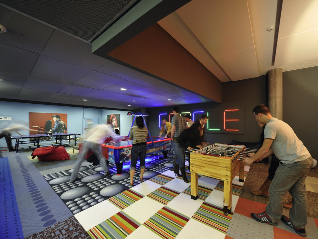 Ex dipendente: Google favorisce spionaggio e omertà