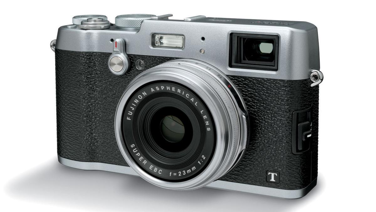 Nuove Fujifilm GFX 50S e X100 F: veloci, rapide e precise ecco caratteristiche e prezzi