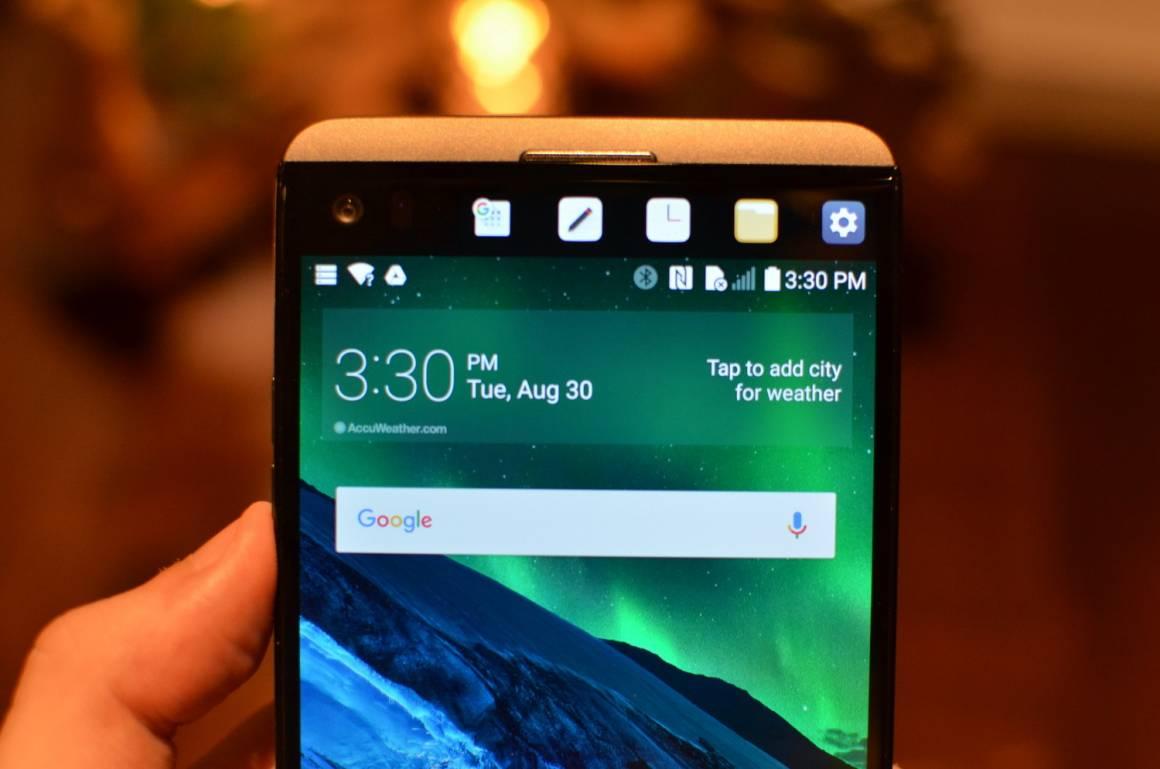 lg v20 1160x769 - LG V30 sfida Samsung Note 8 e iPhone 8: caratteristiche