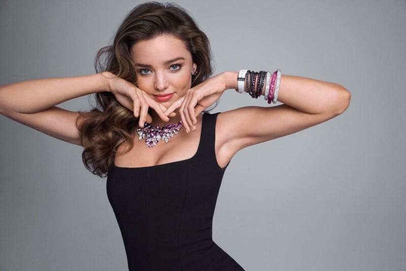 Diventa una vera Superstar indossando le collane Swarovski più eleganti del web