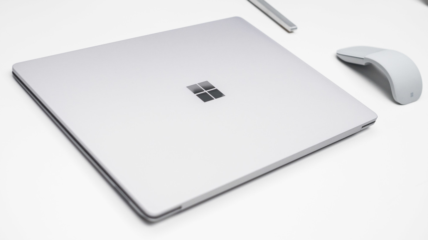 Surface Laptop - Microsoft Surface, il notebook dal design curato che sfida i MacBook Air