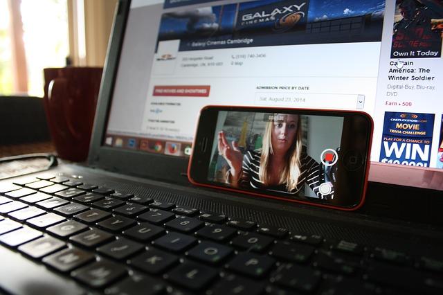 laptop 425826 640 - Il non profit che cresce. 12 webinar gratuiti