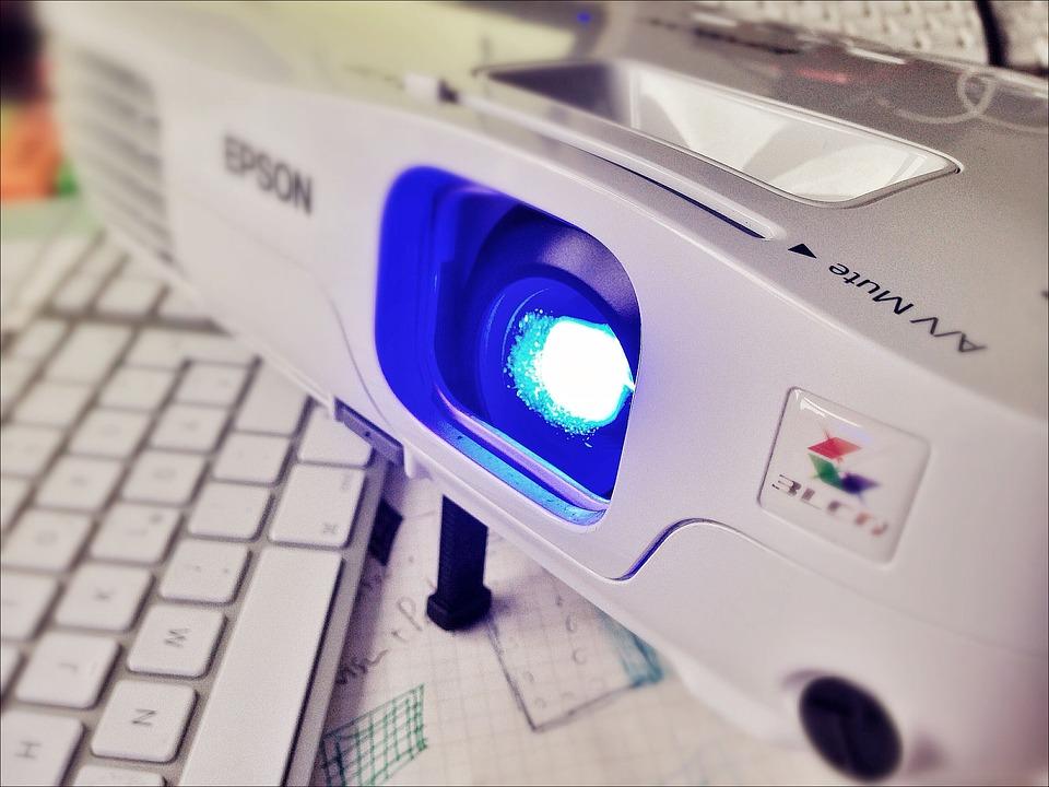 Migliore videoproiettore a led economico