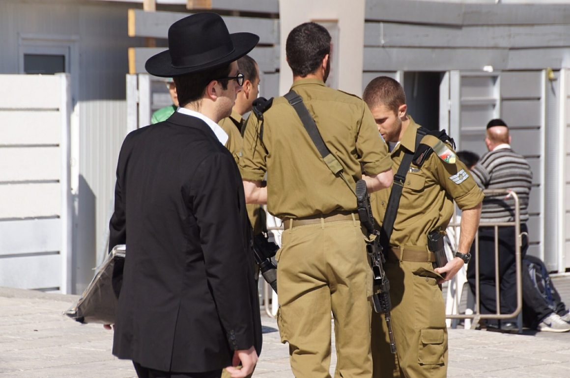 juxtaposition 572706 1280 1 1160x770 - Sconfiggere il terrorismo con la cyber-technology di Israele