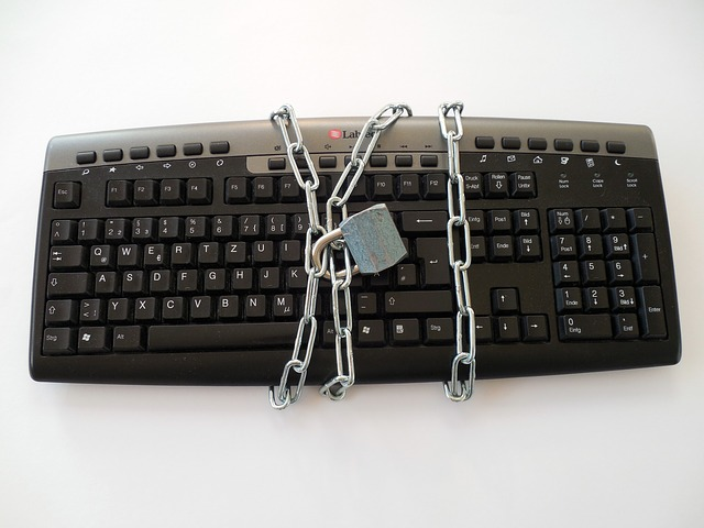 keyboard 628703 640 - Fra una pizza e la vostra privacy, che cosa scegliereste?