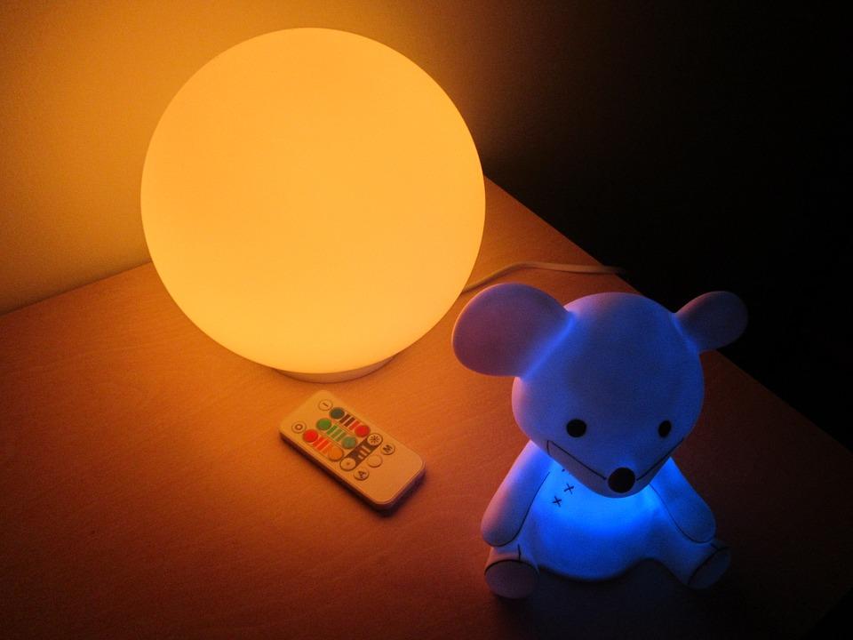 lucinotturne - Vinci la paura di dormire al buio utilizzando le migliori luci notturne per bambini