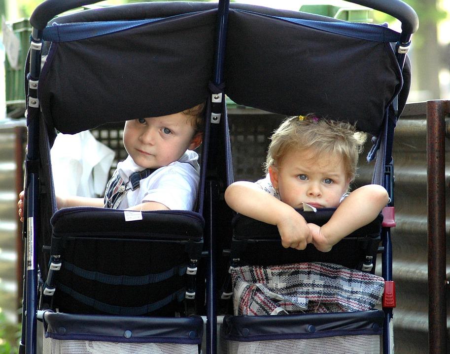 stroller - Passeggiare in sicurezza con i tuoi figli gemelli usando il passeggino gemellare migliore
