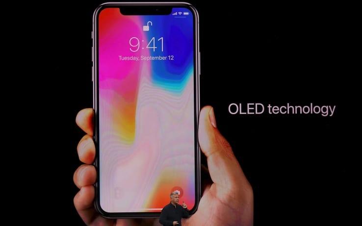 iphone x - iPhone X sarà un successo. Aperte le pre-vendite è già andato a ruba