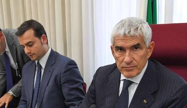 casini - Conflitto Bankitalia-Consob. Risparmiatori in balia del caso?