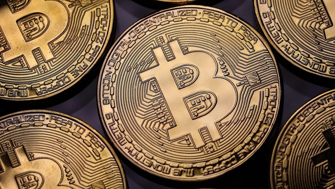 Comprare e vendere Bitcoin consigli per i millenial in cerca di sicurezza e guadagno 1160x653 - Bitcoin torna in rosso dopo che il presidente Trump ha firmato la controversa legge CLOUD