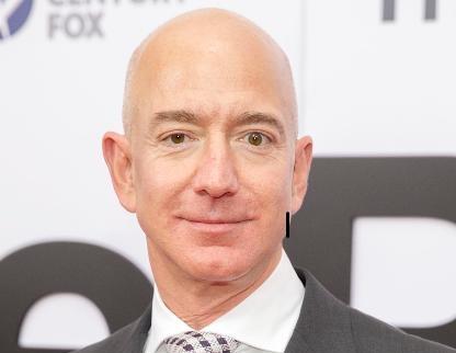 bezos - Il fondatore di Amazon, Jeff Bezos, è l'uomo più ricco del mondo