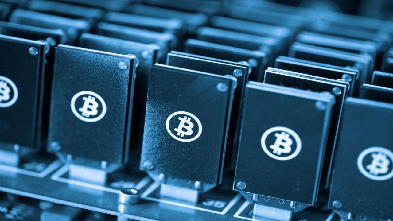 quanto costa un minatore di bitcoin