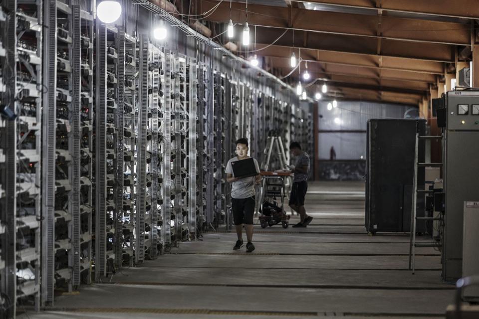 Rubano 8 milioni di kWh per minare Bitcoin in Russia tutti in galera - Rubano 8 milioni di kWh per minare Bitcoin in Russia: tutti in galera