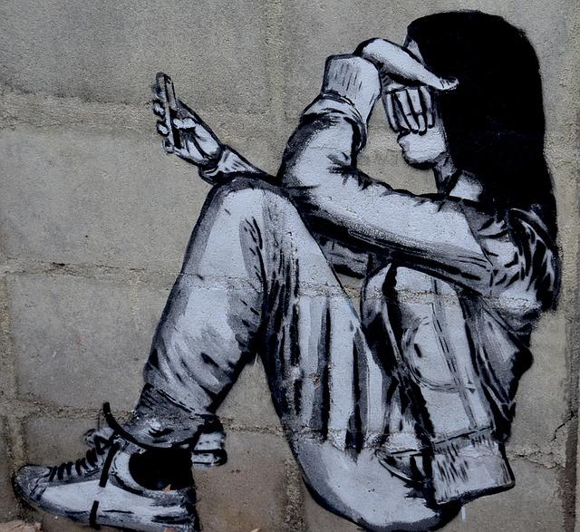 student 1397451 640 - La Commissione Europea combatte i contenuti illegali online