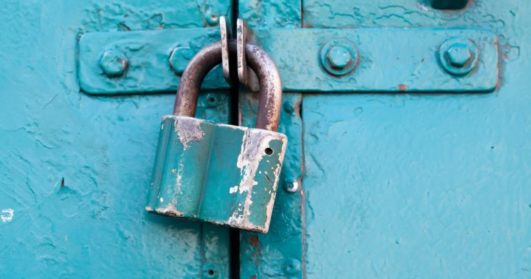 Door lock 760x400 - ICO scam: la SEC ottiene l'ordine per congelare gli asset di Plexcoin